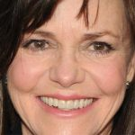 Sally Field Plastic Surgery – A Case of Successful Facelift